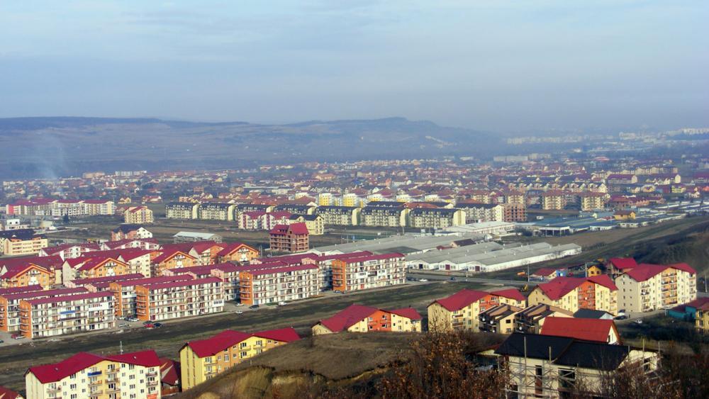 """Extremele """"orăşelului"""" imobiliar Floreşti. Cele mai ieftine vs. cele mai scumpe apartamente de vânzare şi de închiriat"""