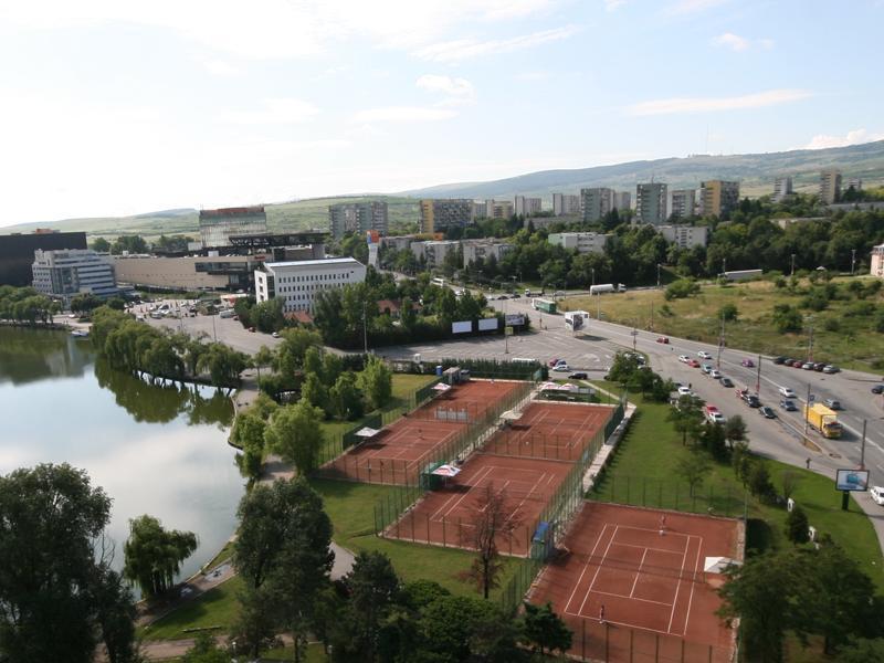 Scade numărul de noi case, însă piaţa imobiliară din Cluj continuă să se scumpească. VEZI preţurile lunii iunie