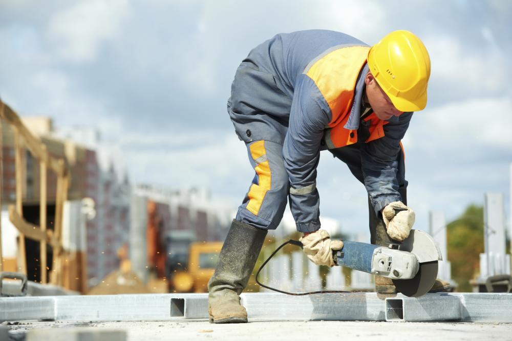 Noutăţi fiscale pentru angajaţii din construcţii / Preţurile Clujului imobiliar