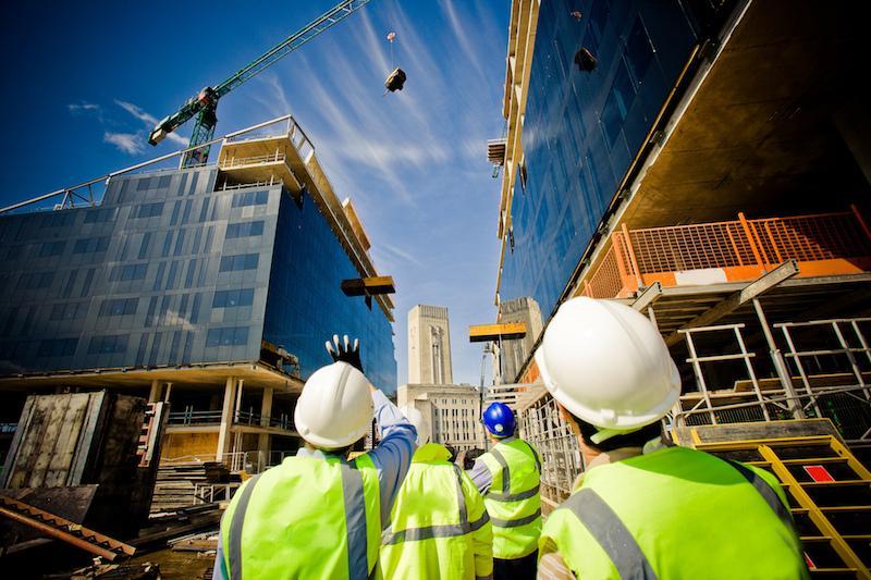 Mai puţine birouri, mai multe locuinţe. Cum arată sectorul construcţiilor în România