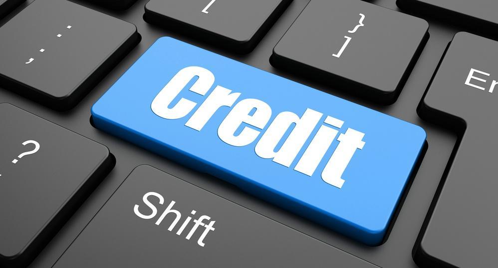 Două bănci amână plata creditelor