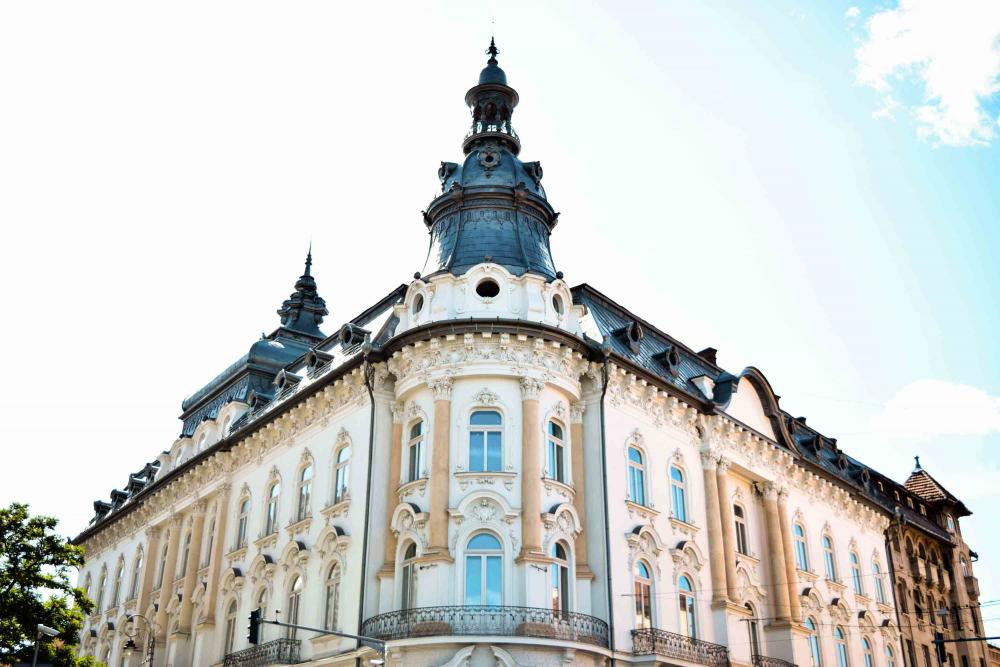 Clujul imobiliar: Cât te costă să-ți cumperi propriul castel sau să stai pe acoperișul României
