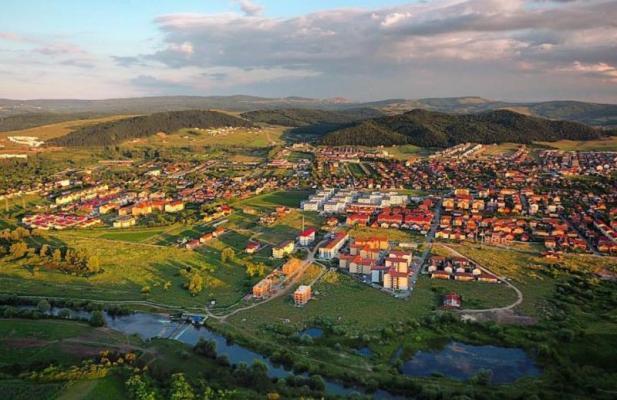 Cât costă apartamentele în suburbiile Clujului. Dar terenurile
