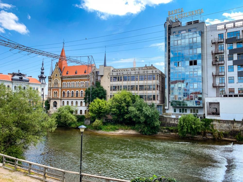 COVID frânează piaţa imobiliară din Cluj