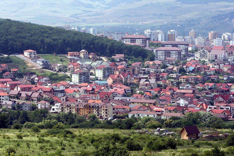 Infuzie de 1.500 de locuinţe pe piaţa clujeană