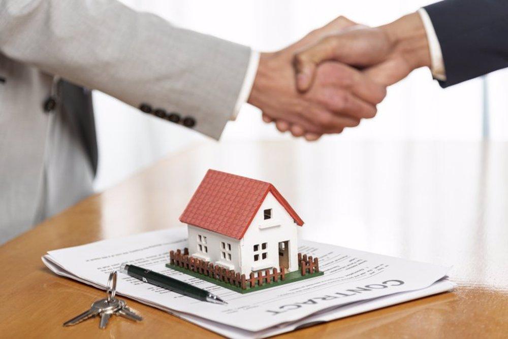 Braşovul urcă în TOP-ul tranzacţiilor imobiliare, Clujul vinde peste anul trecut