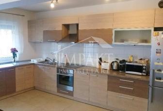 Apartament de vanzare 3 camere  in Cluj Napoca - cartierul Buna Ziua