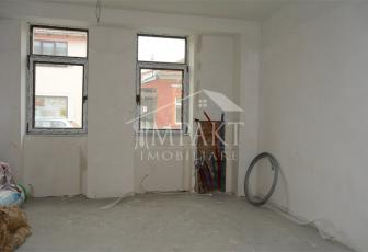 Apartament de vanzare 3 camere  in Cluj Napoca -  Semicentral