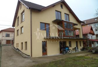 Casa de vanzare 10 camere  in Cluj Napoca -  Andrei Muresanu
