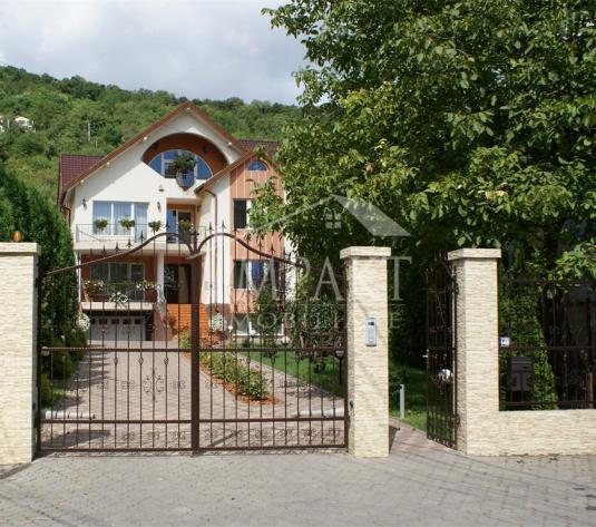 Casa de vanzare 14 camere  in Cluj Napoca - cartierul Grigorescu - imagine 1