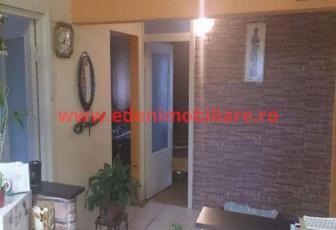 Apartament 4 camere de vanzare in Cluj, zona Marasti, 87000 eur