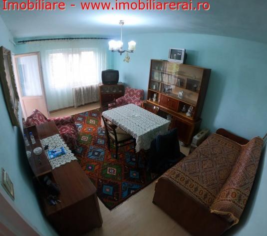Vanzare apartament 2 camere - imagine 1