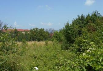 Casa demolabila cu teren 2271 mp