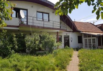 Casa 4 camere pe strada Decebal