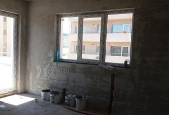 Apartament de vanzare 2 camere  , 52 mp, semidecomandat, etaj 1 in Floresti, Floresti