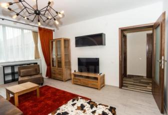 Apartament 4 camere, Plopilor