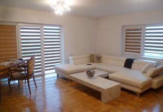 Apartament de vanzare 3 camere  , parcare, 104 mp, decomandat, etaj 3/4 in Floresti, Floresti