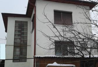 Vanzare 2 case cu teren total de 800 mp in Gheorgheni