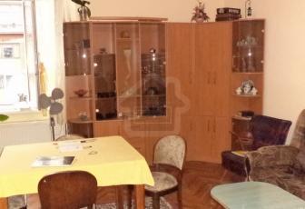 Apartament de vanzare 5 camere in bloc
