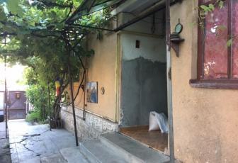 Teren 470 mp cu casa demolabila in Grigorescu