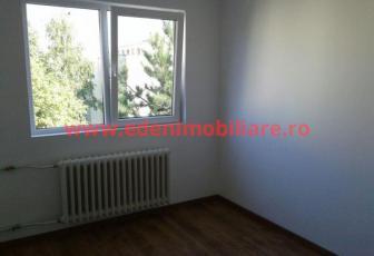 Apartament 2 camere de vanzare in Cluj, zona Manastur, 52000 eur