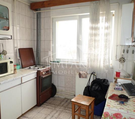 Apartament de vanzare 4 camere  in Cluj Napoca - cartierul Manastur