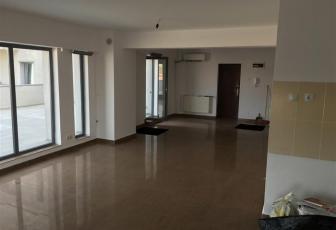 Apartament 3 camere + terasa de 130 mp, Piata 1 Mai