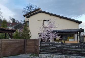 Casa frumoasa cu panorama asupra Clujului