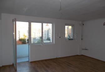 Vand apartament cu 4 camere in Manastur