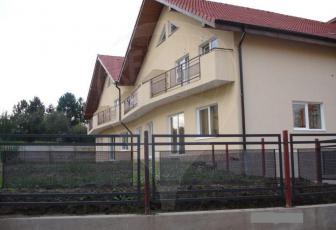 Casa frumoasa cu curte de inchiriat in zona Colina, complet mobilata si utilata!