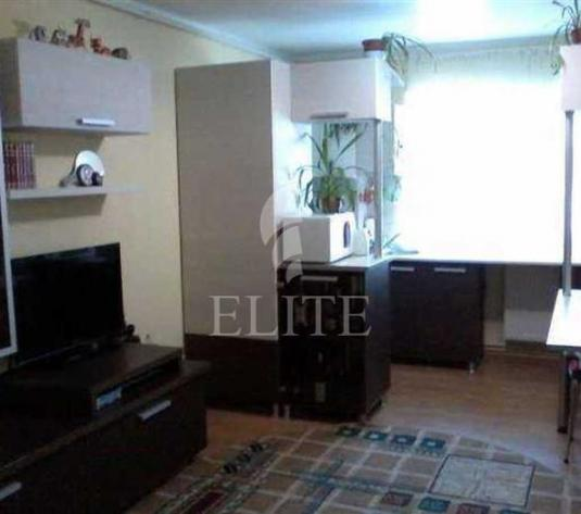 Vanzare apartament 3 camere in BACI zona Lidl Dambu Rotund - imagine 1