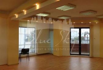 Bd. Mamaia , cladire exclusiva de birouri, suprafata 40mp.+ balcon 5 mp. in Constanta - Zona Delfinariu