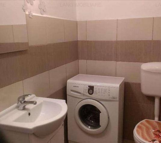 Apartament de închiriat în casa/vila, Zona Central, Arad