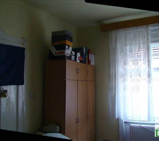 Apartament de vânzare în bloc de apartamente, Zona Central, Arad