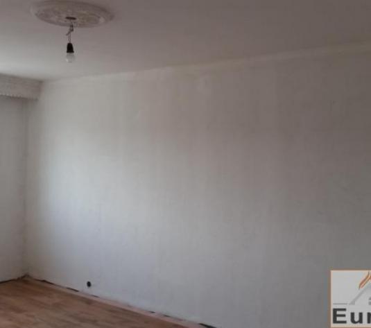 Apartament de vanzare 2 camere decomandat- Stadion - imagine 1