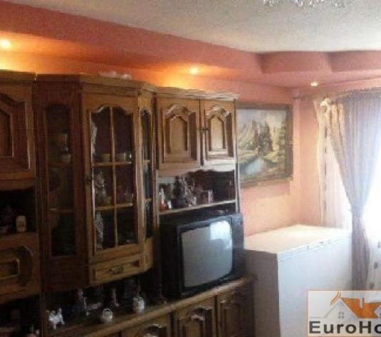 Apartament 2 camere decomandat  - zona Tolstoi !!!! - imagine 1