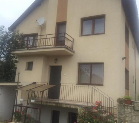 Casa de vanzare in Alba Iulia - imagine 1