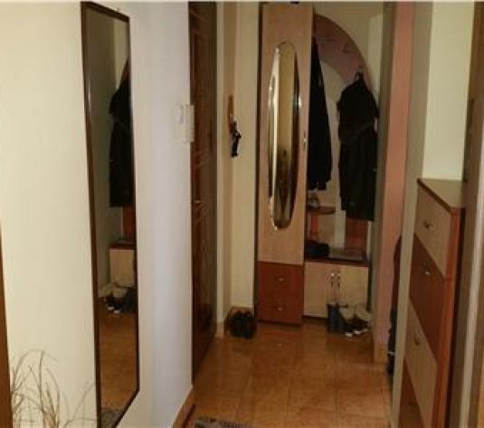 Apartament 4 camere Cetate etaj intermediar - imagine 1