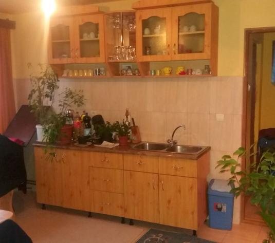Casa la 15 km de Alba Iulia - imagine 1