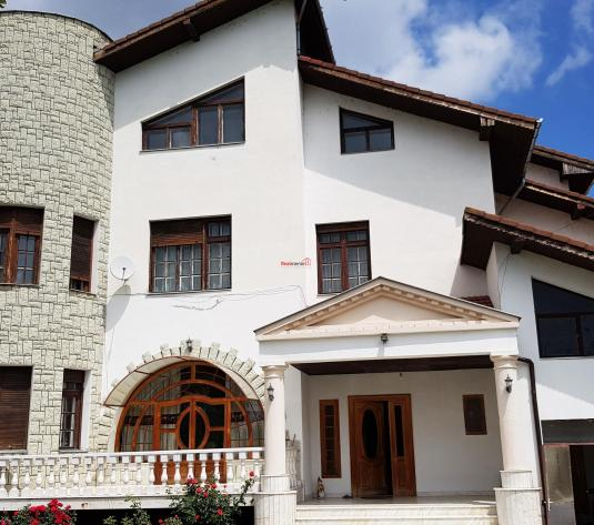 1/2 Casa-Vila de inchiriat Alba Iulia Cetate - imagine 1