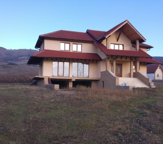 Casa de Inchiriat – 1100 eur – Alba Iulia - imagine 1