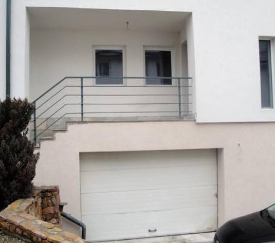 Casa duplex de vanzare zona Campulu