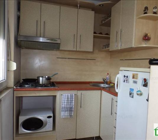 Apartament de vânzare în bloc de apartamente, Zona Aurel Vlaicu, Arad