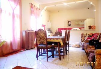 Inchiriez apartament 4 camere, zona Boul Rosu, 150 mp (ID: 924)