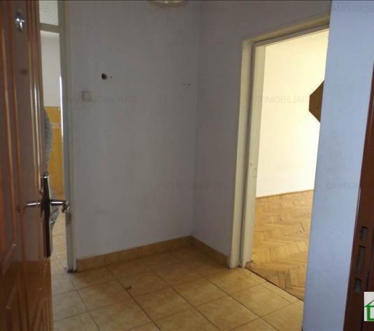 Apartament de vânzare în bloc de apartamente, Zona Micalaca, Arad, 65 mp