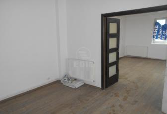 Case de închiriat 3 camere Cluj-Napoca, Central