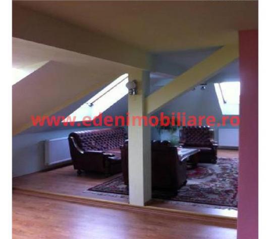 Apartament 5 camere de vanzare in Cluj, zona Semicentral, 105000 eur