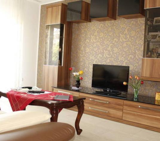 Apartament cu 4 camere de vânzare în zona Plopilor