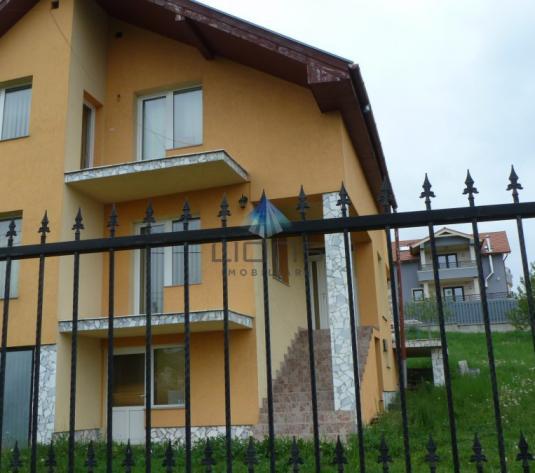 Vila de vanzare 5 camere in Iris