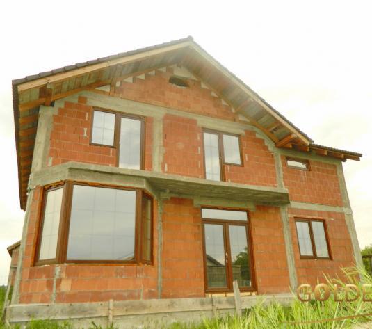 Vand casa la rosu, P+M, zona Bujac, 480 mp (ID: 965)